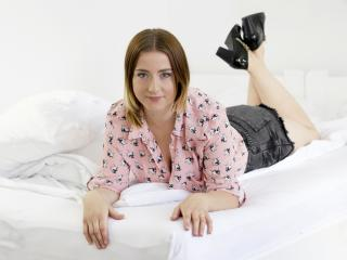 Voir le liveshow de  LaraWild de Xlovecam - 23 ans - I am an adorable and funny girl, but also wild and sexy.. Im into everything that has to do with  ...