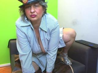 Voir le liveshow de  Galiya de Xlovecam - 42 ans - I am here only for your pleasure. Be sure - I've got what You need, visit my private room and You w ...