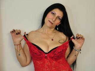 Voir le liveshow de  LilySweet de Xlovecam - 45 ans - Hi ! I am Lily ,54 years old,i am a frienly person, it is great to meet new people and make new  ...