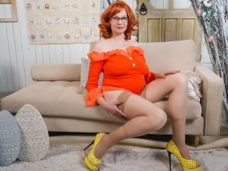 Voir le liveshow de  AmazingBoobsShow de Xlovecam - 51 ans - Hot not experienced mature. Role-play. Big boobs. Cummin and play