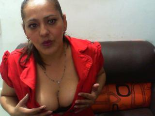 Enjoy your live sex chat DanniPrincess from Xlovecam - 41 years old - Soy una mujer muy caliente llena de deseos por masturbarme
