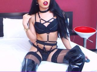 BellaJennerTS webcam girl