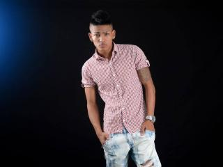 Voir le liveshow de  MatiasCock de Xlovecam - 22 ans - I am a kindly complacent boy I always give the best of me in everything that I do come to creat ...