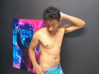 Voir le liveshow de  SebastiianPervert de Xlovecam - 28 ans - I am a very naughty latin boy, I love sex, deep throat, anal, masturbation, cum, c2c