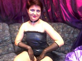 Voir le liveshow de  MatureEva de Xlovecam - 49 ans - I'm a mature woman.I am very sociable and a happy kind of person.I'm a opened person too, I like ...