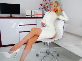 LouisaCream sexy cam girl