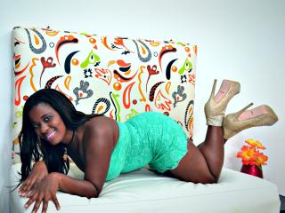 Voir le liveshow de  LindsayEbony de Xlovecam - 42 ans - This is a chat room ready for you in order to please you in your most intimate fantasies...