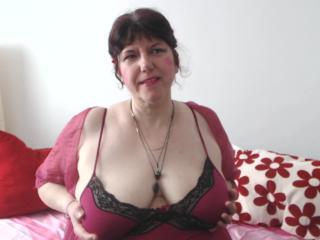 Voir le liveshow de  MatureAnais de Xlovecam - 47 ans - I am a hot and sensual mature lady always in the mood to get naughty with you on cam