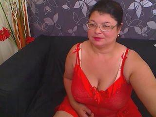 Voir le liveshow de  SweetKarinaX de Xlovecam - 46 ans - I'm a hot bbw eager to satisfy all your needs and desires, come into my private room and i'll ...