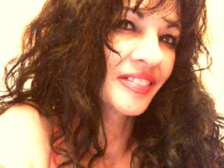 Voir le liveshow de  Miss_cammy de Xlovecam - 49 ans - I am hot and sexy,  sweet  woman !!new, kinky, unexpected, unique and exotic ;) love c2c as wel ...