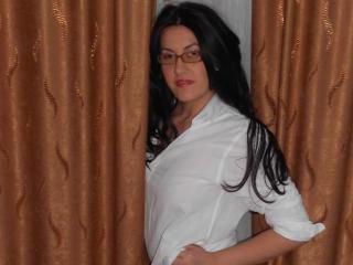Voir le liveshow de  SensualGisele de Xlovecam - 28 ans - I'm just a sweet girl that wants to listen and share your fantasies
